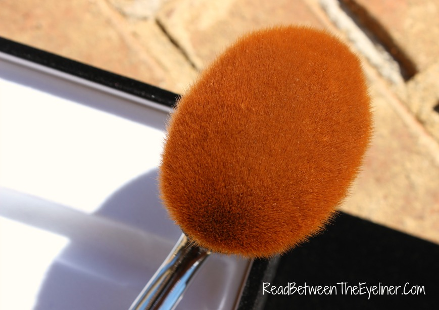 Artis oval 8 brush